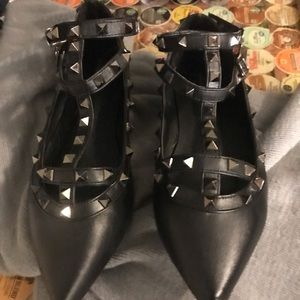Rockstud flats- black caged with silver spikes